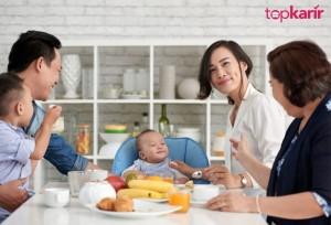 Tentang Generasi Sandwich dan Cara Terbaik Menyikapinya   TopKarir.com